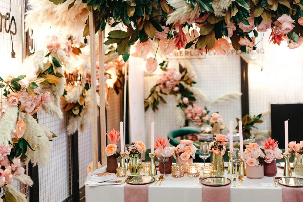 Hochzeitstrends 2019: Blush & Gold Hängedeko - Stefanie Lange Hochzeitsfotografie