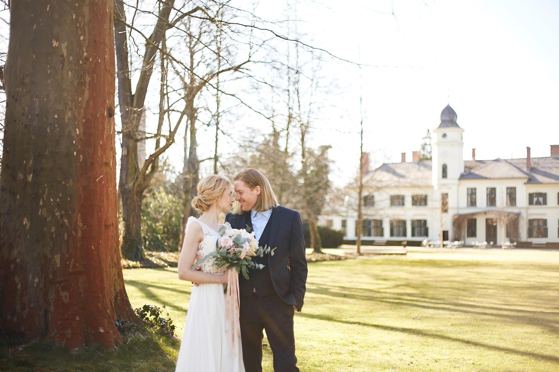 Stefanie Lange Hochzeitsfotografie: Hochzeitsshooting mit Iris & Oliver Schloss Gutshof Britz Berlin 2018