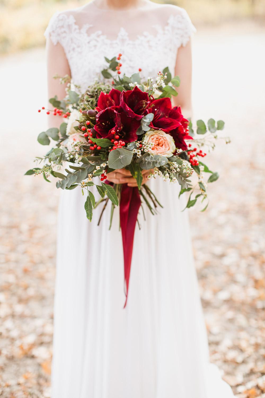 Hochzeitsshooting am Jadghaus Spandau: Bridal Bouquet / Brautstrauß mit Amaryllis - Stefanie Lange Hochzeitsfotografie