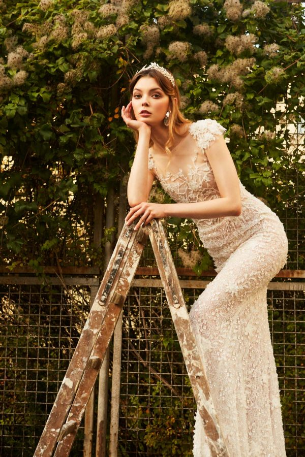 Queen of Spring - Bridal Editorial - Stefanie Lange / Mira Zwillinger