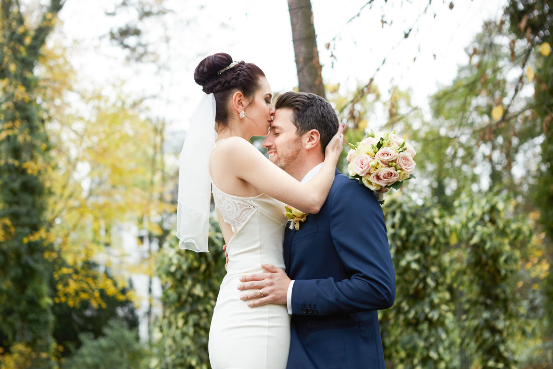 Stefanie Lange Hochzeitsfotografie: Paarfoto der Hochzeit von Sophia & Jeremy im Patrick Hellmann Schlosshotel Berlin 2016